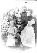 Cyrus + Dora Packard and family