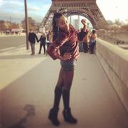 Lil girl in Paris