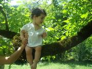 ჩემი სანდუკი კაკლის ხეზეე :)