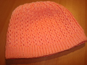 Mütze im Ajourzöpfchenmuster
