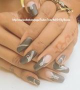 Chick Zippid Nail Design