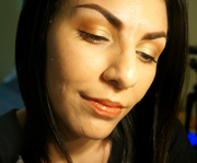 Natural shimmery eyelook