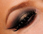 smoky eye with pure gold