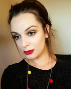 Glitter eyes and red lips ♥