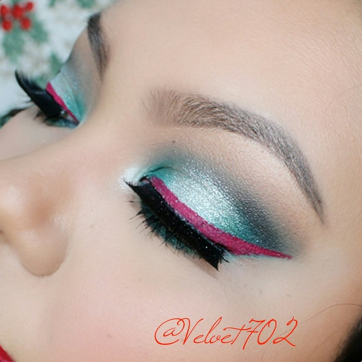 Christmas Inspired Makeup look for Holidays