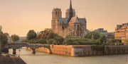 Golden hour on Notre Dame de Paris