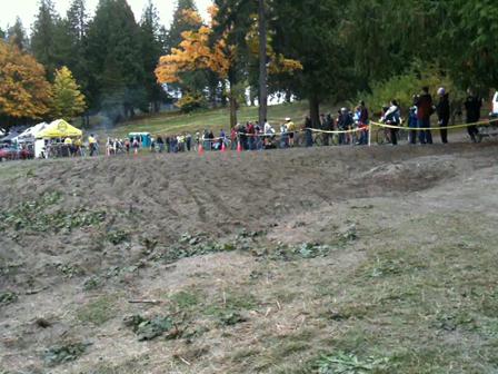 Video of Elite Men's start, Seattle Cyclocross, Silver Lake