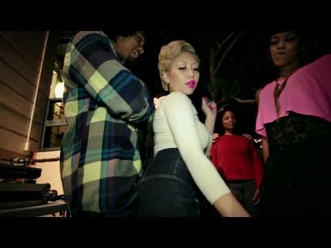 GIRL LIKE ME [Feat. Rocky Rivera and Raka Dun]