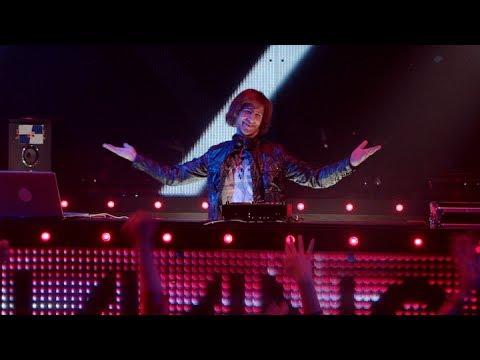 SNL Makes Fun Of EDM, Overpriced DJs, Avicii & More With Latest Skit