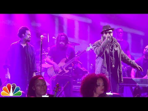 The Roots & Bilal Give A Stunningly Powerful Performance With A Full Orchestra