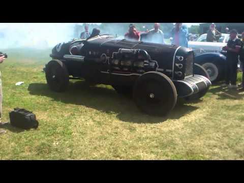 Il Drago Ruggente - airplane engined car
