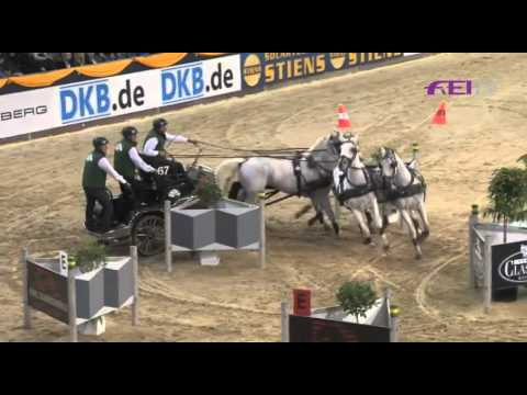 Ysbrand Chardon wins the first round of the FEI World Cup Driving 2011 in Hannover