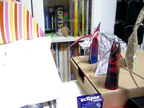 Folding paper toy for FFS09