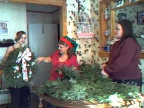 How to Make a Christmas Wreath