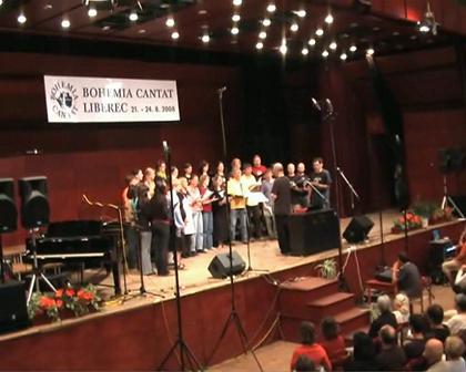 Smolka at concert - Kdo Je Tam