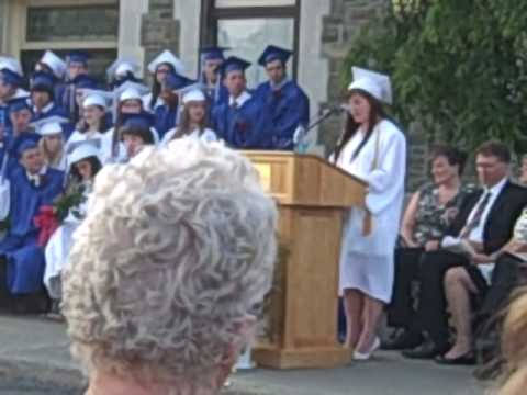 Valedictorian Speaks Out Against Schooling in Graduation Speech
