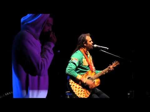 "Matisyahu & Michael Franti - ""Hey World"" (Earthdance 2010)"