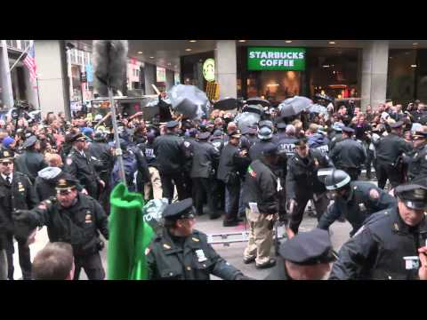 NYPD crashes OWS dance party, things get heavy (November 17)