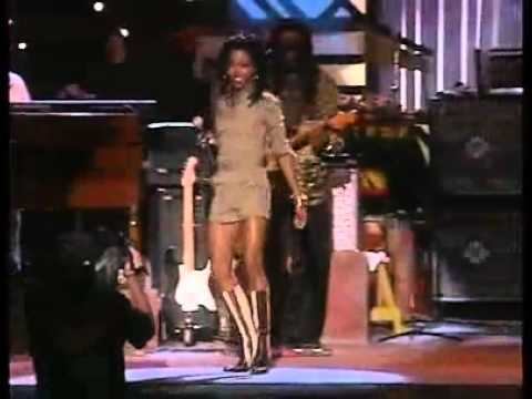Lauryn Hill ''Turn Your lights Down Low'' Live @ One Love Concert - Tribute to Bob Marley