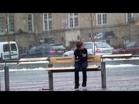 They Saw A Child Struggling In The Freezing Cold. How They Reacted Is Beautiful.