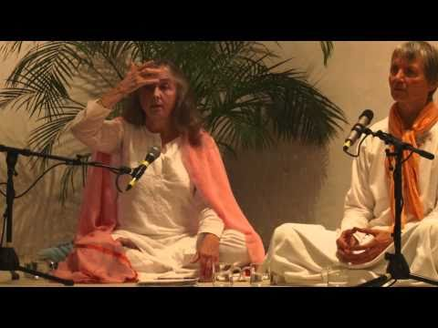 Yoga Talk with Narayani part 3 - Dritter Yoga Vortrag mit Narayani English-Deutsch Part 3 of 4