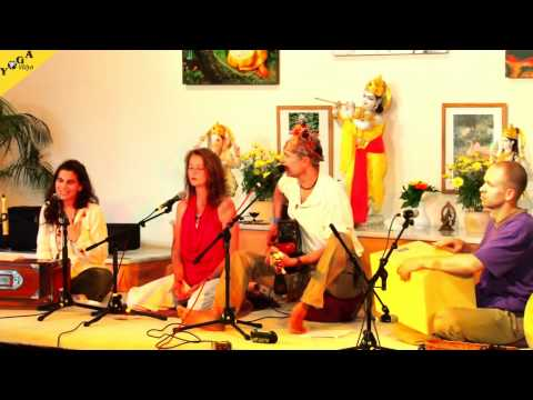 Gayatri, Jaya Sitaram, Hare Krishna and more - Morning Concert during Yoga Vidya Music Festival