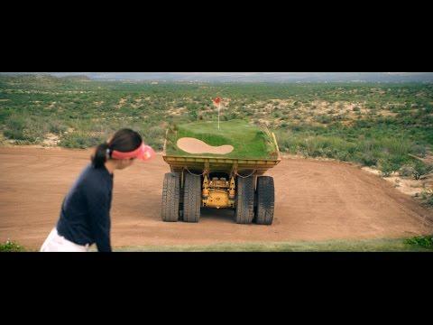 ¿Jugar al golf con hoyos en movimientos sobre camiones?