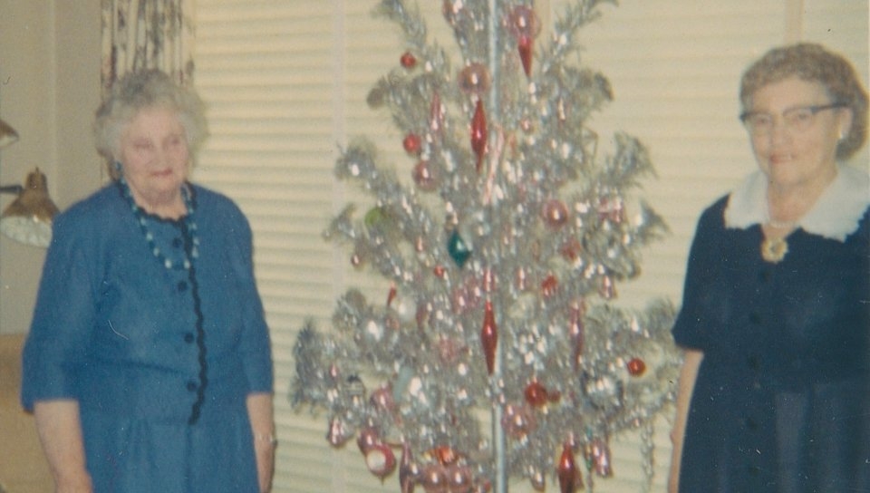 My Elderly German Aunts (a Christmas haiku)