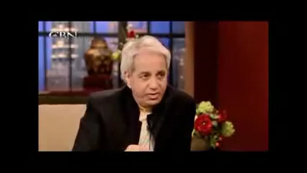 Missionaries Benny Hinn and Pat Robertson discuss the thirst Jews now have for jesus in Israel (CBN excerpts October 2012)