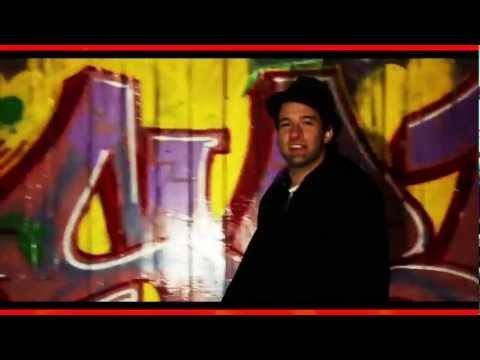 SMEARKAT (@SMEARKAT) FT CUUDY BROUN - STRANGE FACES [Official Video]