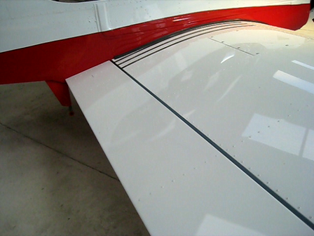 Right wing - flap-gap stop and aileron stop