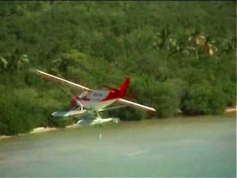 Banner towing with a STOL CH 701 on Zenair amphib floats