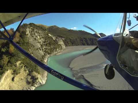 Zenith STOL CH 701 along the Waimakariri River (New Zealand)