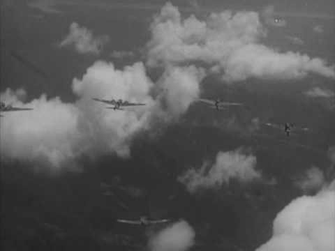HD - Dogfight: Nakajima Ki-43 Oscar Hayabusa & Ki-21 - Imperial Japanese Army Air Forces Attack 1941