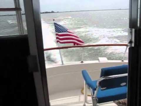 31'Chris-Craft Commander cruising Sandusky Bay