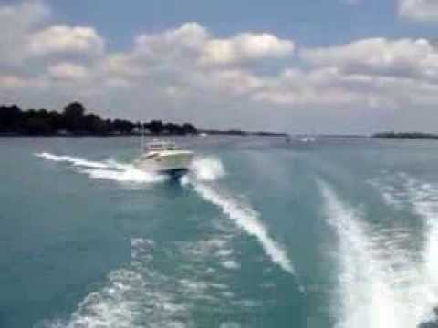 38 Commander 1964 traveling down the St Clair River