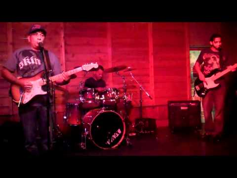 Fast & Furious / No one cried Combo Live @ Holly & Dolly's