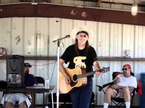 STINNETT BIRHTDAY BO'S SONG LIVE IN THE PARK