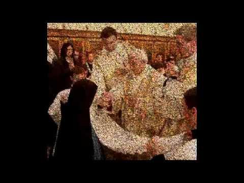 JESUS ESTA EN EL SUELO - NO RECIBAS LA COMUNION EN LA MANO