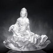 Minerva Lee