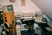 PowerMacintosh 7100, Newton MP100 and ColorOne Scanner (1999)