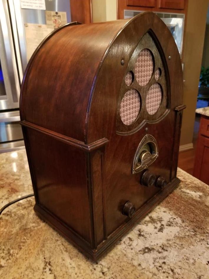 Old radio amp
