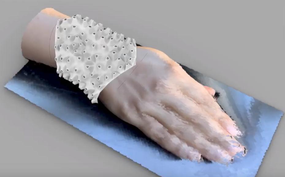 Computational Jewelry: Making of a Voronoi based Custom Bracelet using Rhino and Grasshopper