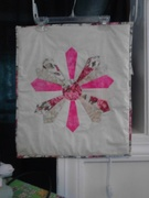Dresden Plate Block in Fuschia and Ivory