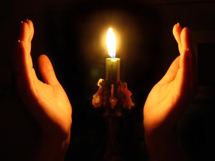 Qwelly, blog, ბლოგი, ეკლესია, სანთელი, ტაძარი, ხატი, ქველი, candle