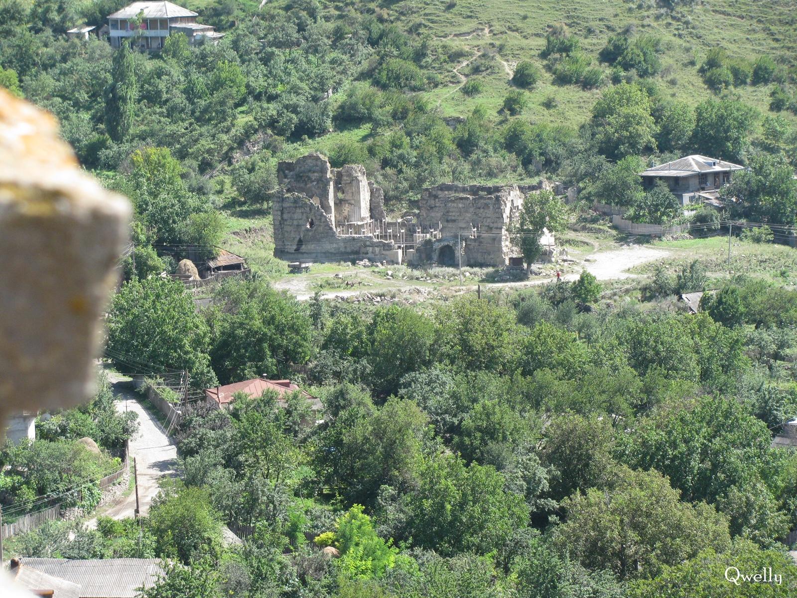 აწყურის ღმრთისმშობლის ტაძარი ციხიდან, awyuris gmrtismshoblis saxelobis eklesia, blogi, giorgi maisuradzis blogi, qwelly, awyuri, gmrtismshobeli, xati, eklesia, awyuris cixe, castle, virgin icon, church, temple, აწყურის ღმრთისმშობლის სახელობის ტაძარი, ნანგრევები, აწყური, ციხე, აწყურის ციხე, აწყურის ღმრთისმშობელი, ღმრთისმშობლის ხატი, ციხესიმაგრე, ტაძარი, ტაძრის ნანგრევები, გიორგი მაისურაძის ბლოგი, ქველი