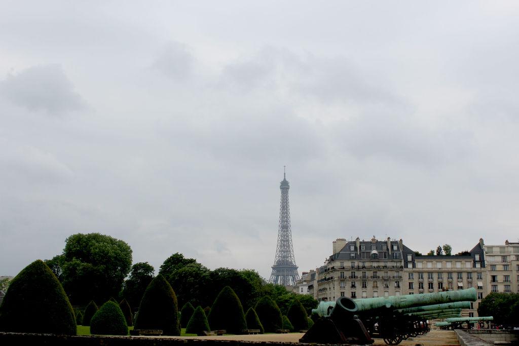 adventure, cathedral, dream, friends, notredame, paris, qwelly, ეიფელი, თავგადასავალი, კარუსელი, მეგობრები, ნოტრ-დამი, ოცნება, პარიზი
