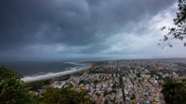 BBC News: Cyclone Fani: Mass evacuations as storm moves up India's coast