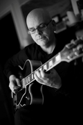 Jazz at Karamel: Colin Oxley