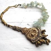 neckpiece with aquamarine